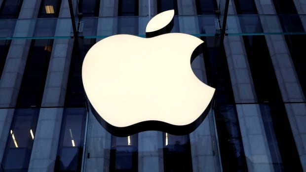 Apple targets car production by 2024 and eyes 'next level' battery technology, sources say | CBC News