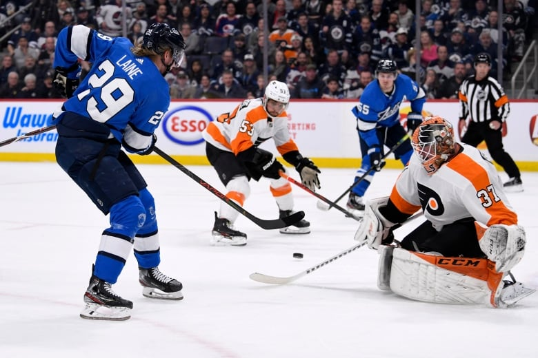 flyers jets 121519 - Blake Wheeler, Jets soar past Flyers with offensive explosion