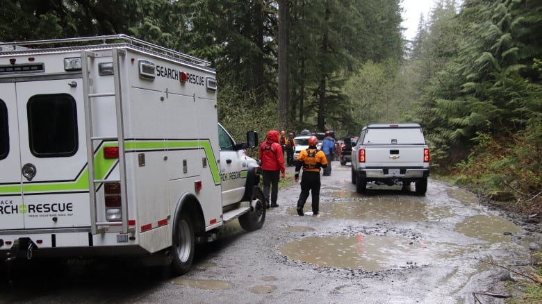 2 children dead after off-road vehicle rolls into lake near Chilliwack, B.C. 2