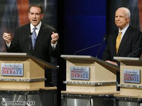 A Texas newspaper has picked Mike Huckabee over John McCain.