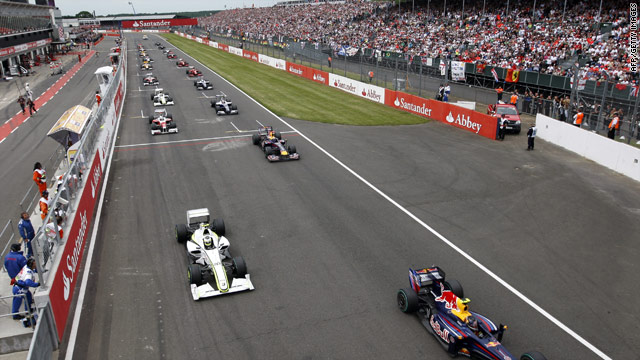 Drivers take the start of the British Formula One Grand Prix at Silverstone in June 2009.