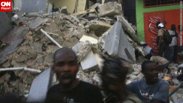 An earthquake in Haiti has reportedly destroyed numerous buildings in the capital Port-au-Prince.