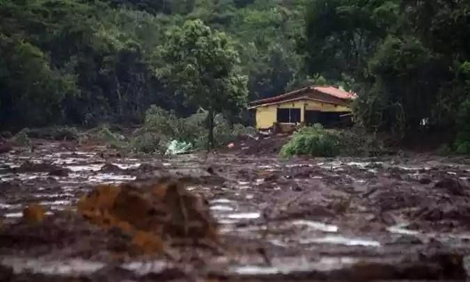 Barragem de água tem risco 'iminente' de romper(foto: AFP / Mauro Pimentel)