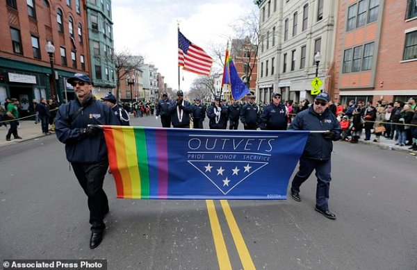 The Latest: Parade organizers say gay group not banned ...