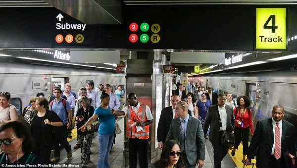 Thousands of NYC commuters brace 'summer of hell' commute ...