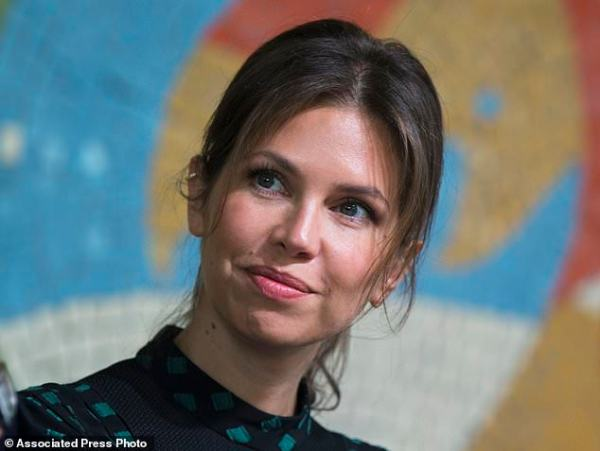 Russian tycoon Abramovich and third wife announce split ...
