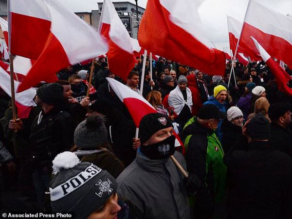 60,000 join far-right march on Poland's Independence Day ...