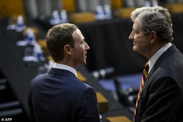 US senators introduce social media privacy bill   Daily ...
