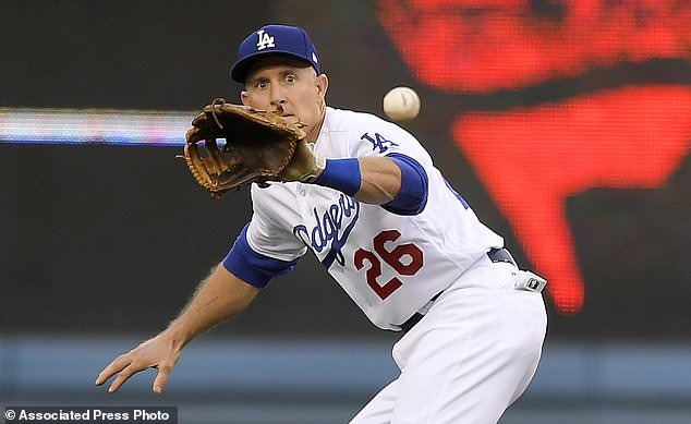 wire 3642626 1531528145 502 634x389 - Dodgers' Chase Utley to retire at season's end for family