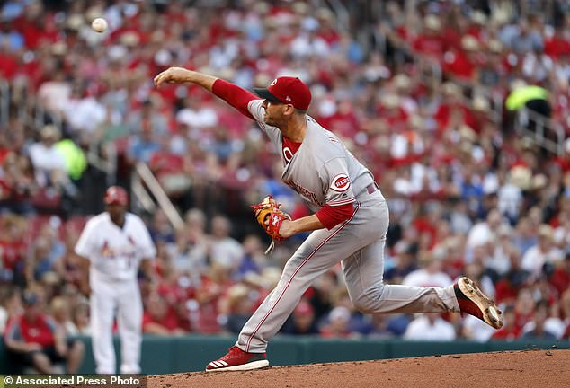 wire 3644480 1531540803 497 634x432 - Gennett, Herrera homer to lead Reds past Cardinals, 9-1
