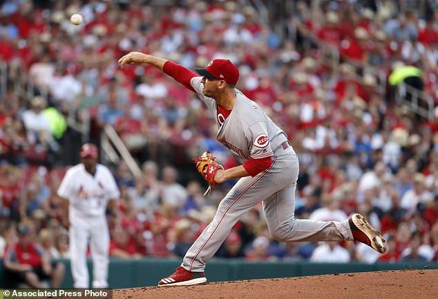 wire 3644480 1531540803 497 634x432 - Gennett, Herrera homer to lead Reds past Cardinals, 9-1