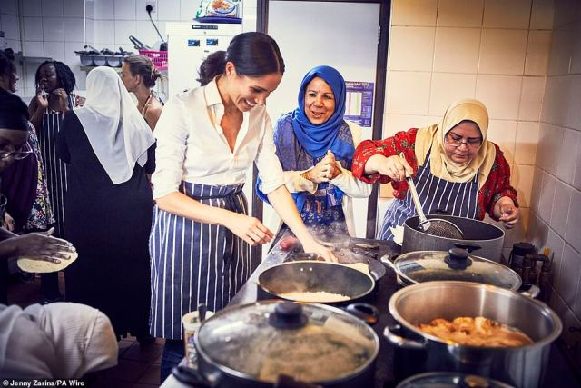 Meghan cooks with women in the Hubb Community Kitchen at the Al Manaar Muslim Cultural Heritage Centre in West London