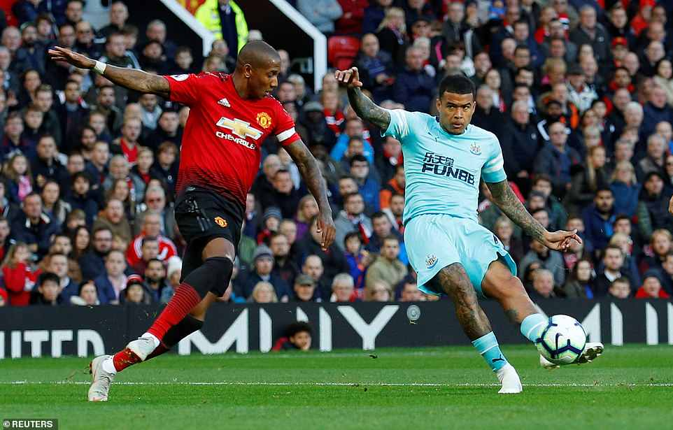Kenedy turned Ashley Young this way and that before curling the ball beyond a helpless David de Gea on Saturday evening