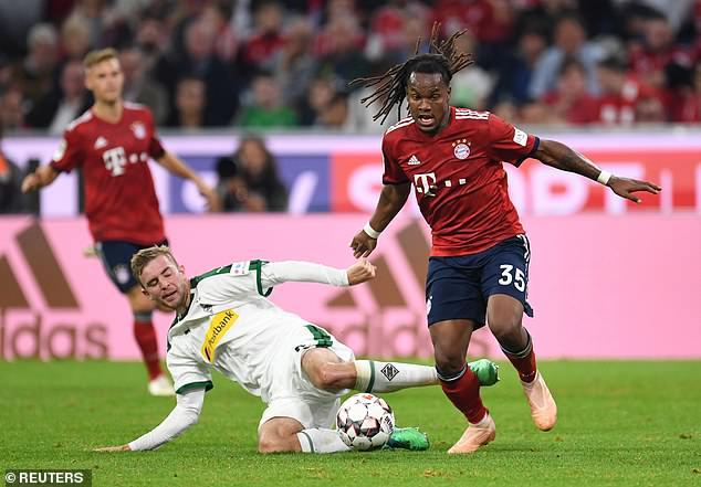 Bayern's Renato Sanches in action with Borussia Monchengladbach's Christoph Kramer