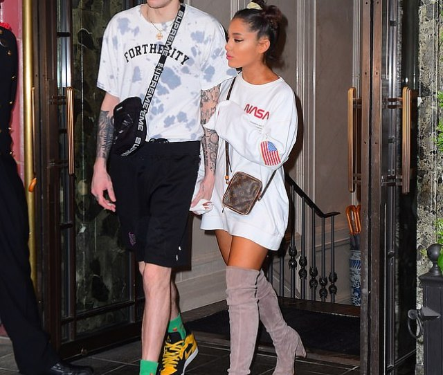 Lovebirds Ariana Grande And Fiance Pete Davidson Looked Very Much In Love As They Stepped