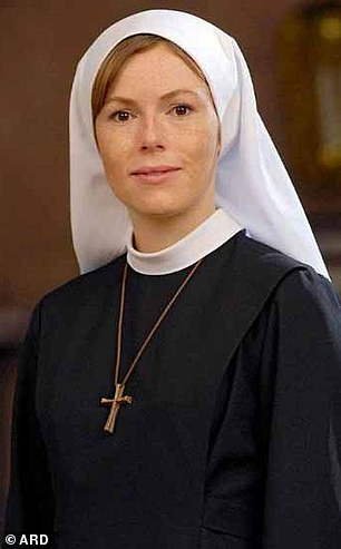 Ms Mönning is best known to the German public for playing young nun Jenny in sitcom Um Himmels Willen - For Heaven's Sake - from 2007 to 2009.
