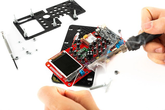 Although build time will vary according to skill levels, CircuitMess says that the phone should take about seven hours to build.