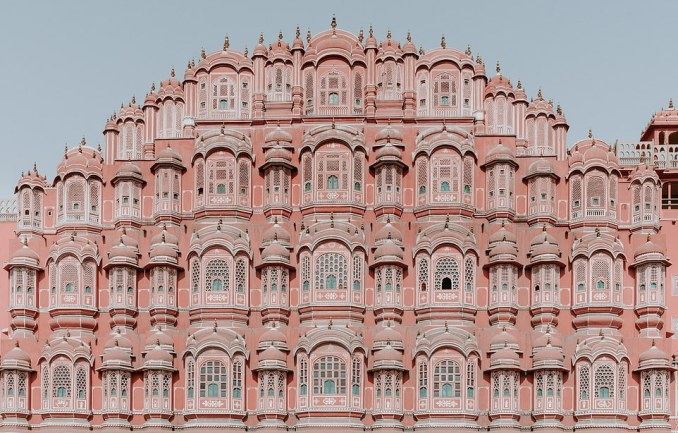 In Jaipur, the capital of the state of Rajasthan, there is an excursion to the stunning Hawa Mahal, pictured