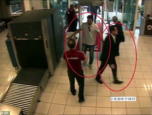Sabah published pictures which it said showedMutreb and others at Atatürk Airport at 5.58pm