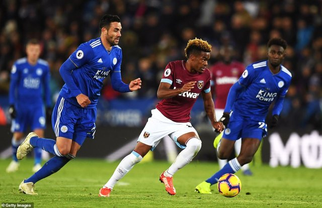 Grady Diangana impressed in the congested central midfield areas with Declan Rice taking defensive duties in a holding role