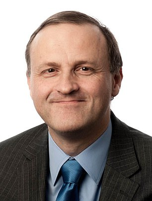 Answering the questions: Steve Webb will be on Monday, November 12, at a & # 39; Webbchat & # 39; to be present