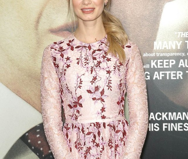Film Premiere Sara Paxton Wore A Long Sleeved Floral Print Dress On Tuesday To