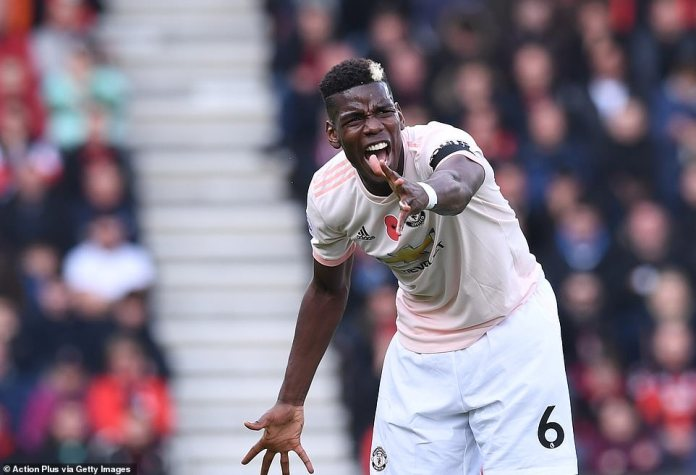 Manchester United star Paul Pogba is screaming at his teammates to position themselves while struggling to prevail