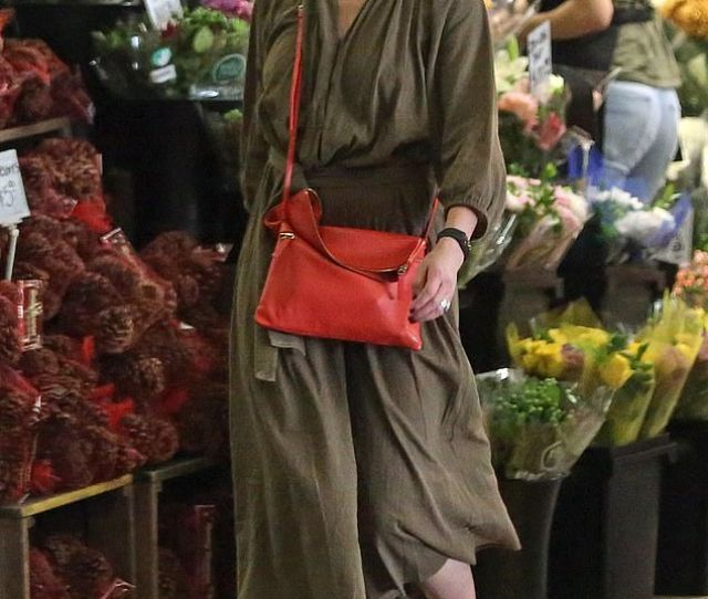 Out And About Cameron Diaz Enjoys Her Retirement From Acting As She Hits The Grocery