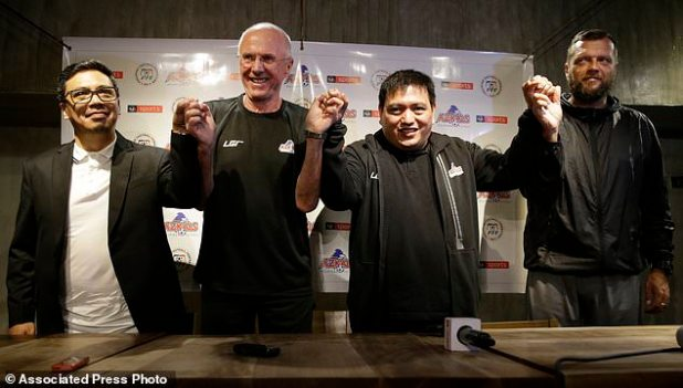 From left; Philippines football advertising manager Jun Miras, the new coach of the Philippines national football team, Sven-Goran Eriksson, team manager Dan Palami and football consultant Scott Cooper attended a press conference on 5 November 2018 at the metropolitan Manila, Philippines. Erikkson, a former England team manager, will be the Philippine team at the 2018 AFF Suzuki Cup at the end of this month and the head coach of the Asian Cup next year. (AP Photo / Aaron Favila)