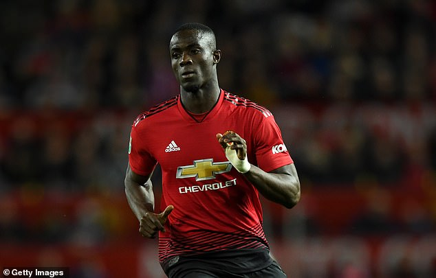AC Milan plans a move from January to Eric Bailly (center)