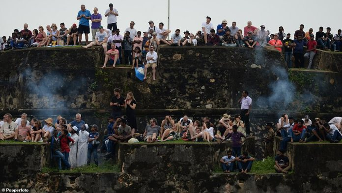 Hundreds of English fans traveled to Sri Lanka for three games to Galle in Kandy and Colombo