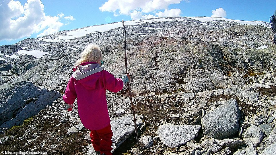 Mina has already conquered one of the largest mountains in Norway. Snøhetta, standing at an impressive height of 7500 feet