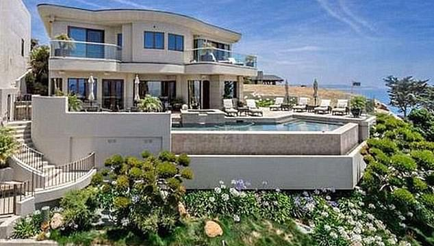 Adele made an  offer of £5.2million on a oceanfront mansion in Malibu, California