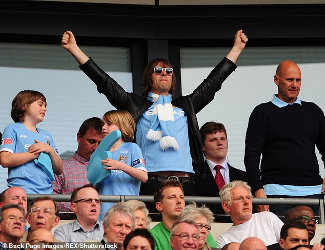 Oasis frontman Liam Gallagher (center) at Wembley Stadium 2011 was a fan of Kinkladze