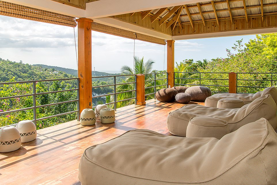 Anthony Joshua takes a break in the Montego Bay area of Jamaica while in a luxurious villa