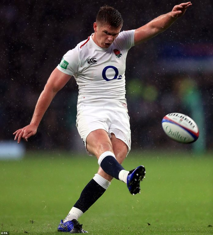 England's Farrell succeeds to make up 15-0 to England in the first half of Saturday's clash on Saturday afternoon