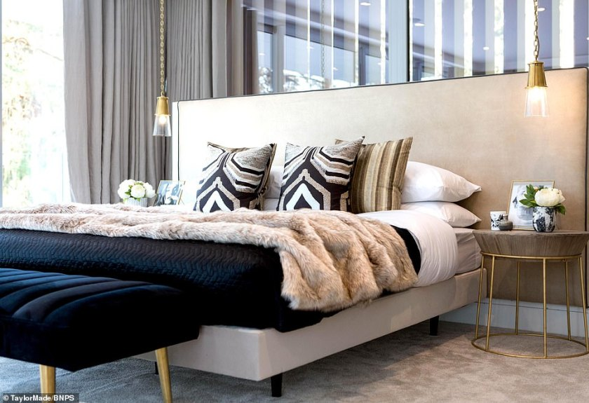 This bedroom in Ortega is oozing with style with its thin framed features adding real modern class to the well-lit room