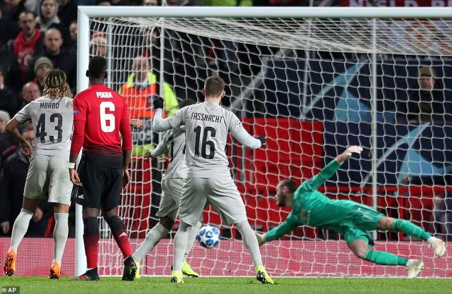 David de Gea made sure it wasn't worse for United when he made a stunning one-handed save from a late deflected shot