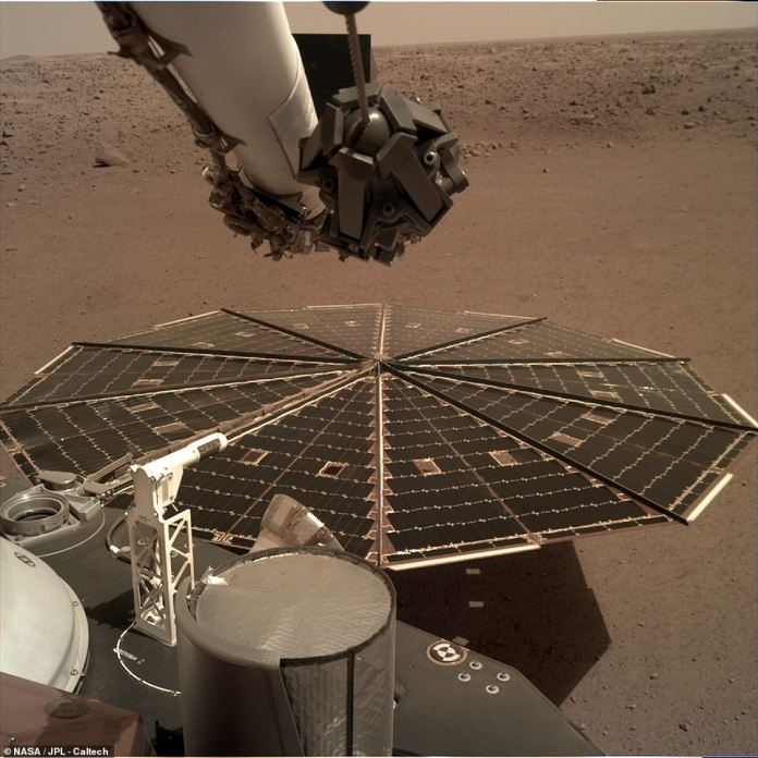 The space agency shared a series of high-resolution photos from this week. InSight will soon capture pictures of the terrain just in front of it so that the team can select the best location to drill down. The solar panel that powers the machine is shown