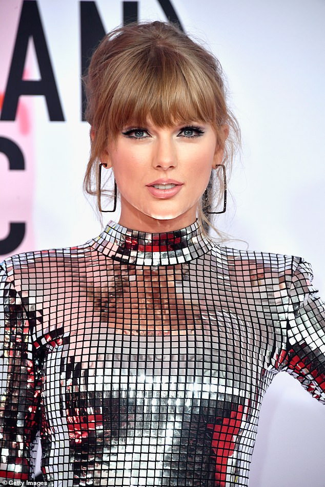 Swift is pictured at the 2018 American Music Awards at Microsoft Theater on October 9 in Los Angeles, California
