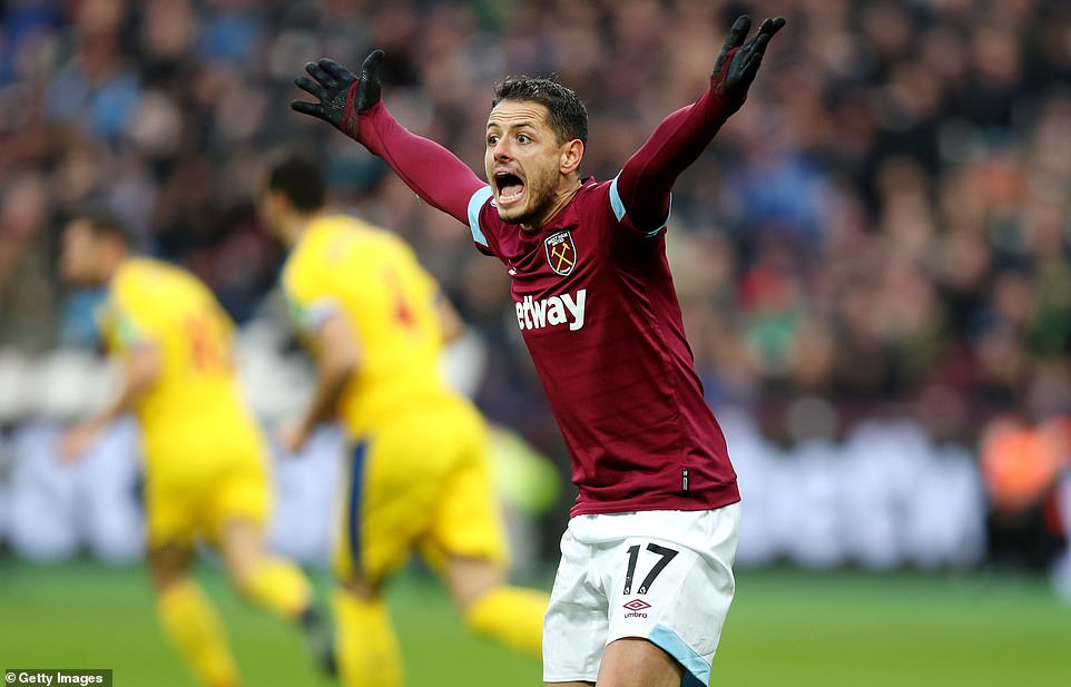 Javier Hernandez has resorted to a foul and West Ham players have been frustrated to stay behind in the way they did