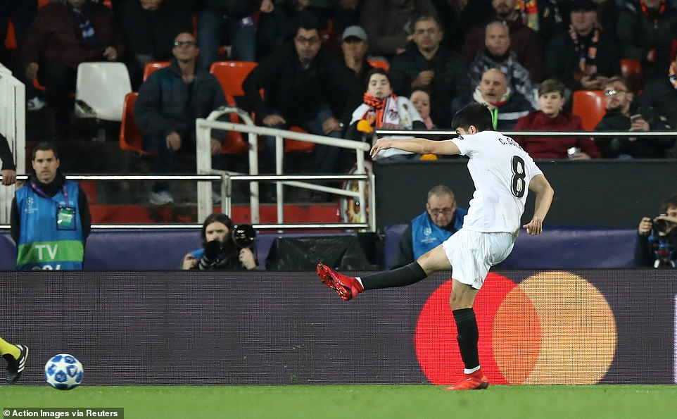 Carlos Soler's fantastic low-driven shot went through the legs of Eric Bailly (not pictured) to give Valencia a 1-0 lead