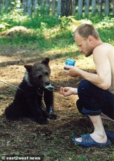 https://i1.wp.com/i.dailymail.co.uk/1s/2018/12/26/14/7835262-6530113-Mr_Grigoriyev_raised_the_brown_bear_from_a_cub_and_kept_it_on_hi-a-78_1545833867979.jpg?resize=467%2C658&ssl=1