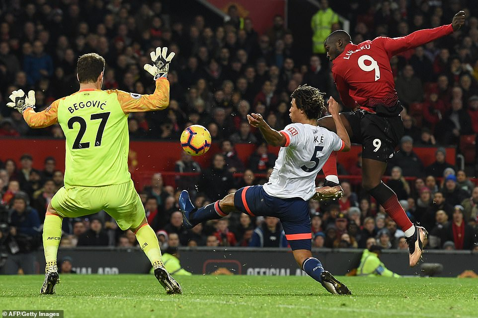 The fourth came through the man that came on to replace Rashford as Lukaku fired an effort beyond the reach of Begovic