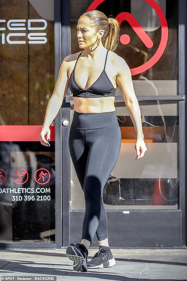 Jennifer Lopez Flashes Her Abs As She Joins Alex Rodriguez