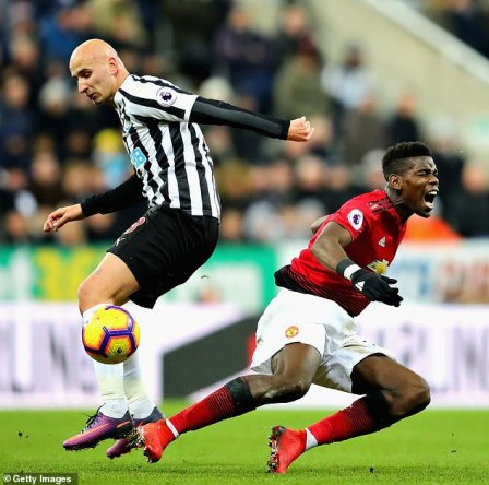 Manchester United fans mock Jonjo Shelvey following horror tackle on Paul  Pogba   Daily Mail Online