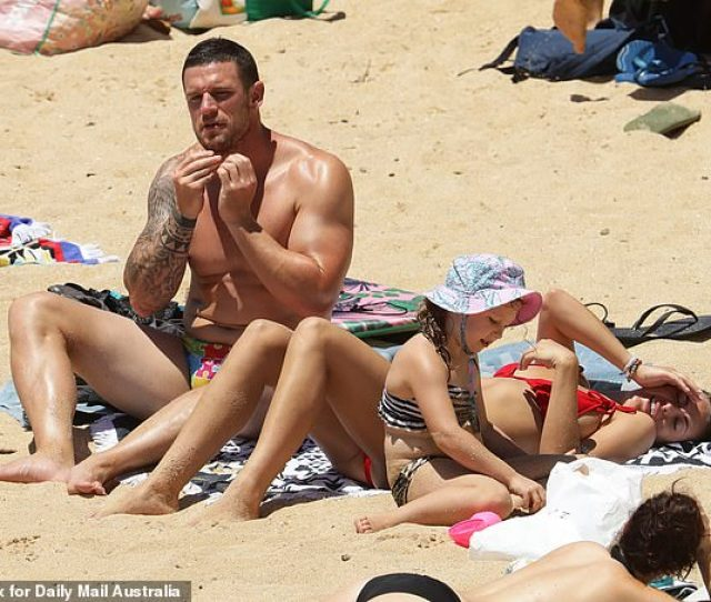 Footy Star Luke Burgess Left Enjoyed A Family Beach Day With