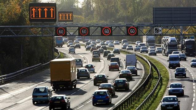 Es gibt drei Arten von intelligenten Autobahnen: Controlled, Dynamic Hard Shoulder (Bild) und All-Lane-Betrieb