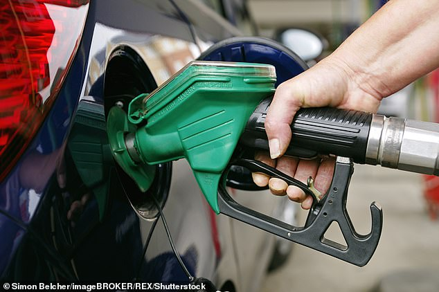 The AA has urged motorists to refuel in supermarkets this weekend, as prices seem set to rise next week