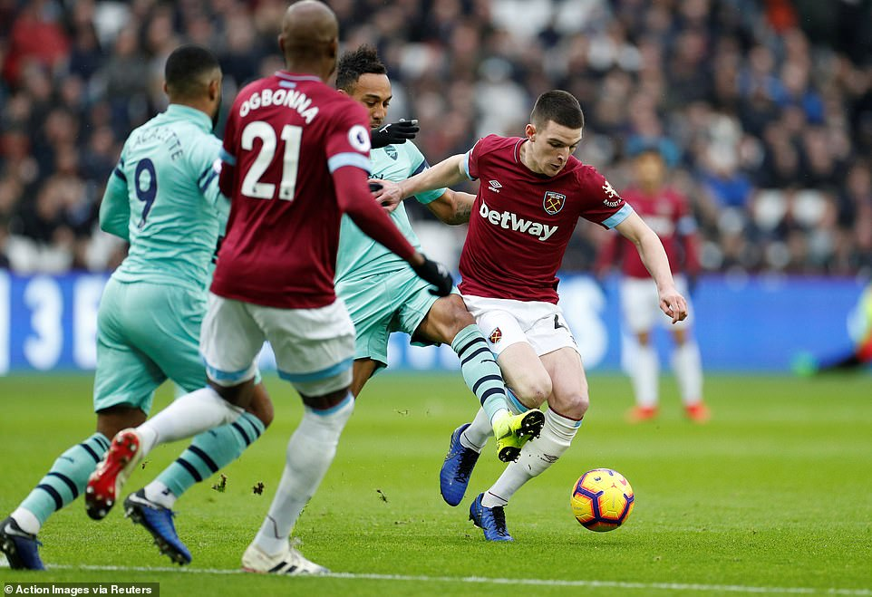 Rice fought for possession when the game started physically between the two parties at the London Stadium